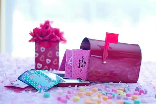 Valentine's Decoration valentine Mailbox