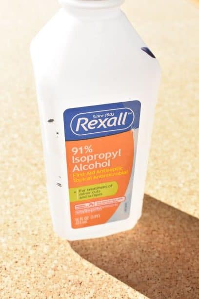 isopropyl alcohol used to clean bulletin boards