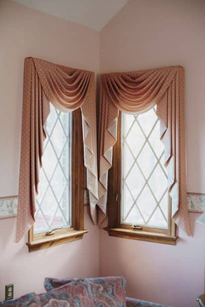 Swag/Cascade Window Covering