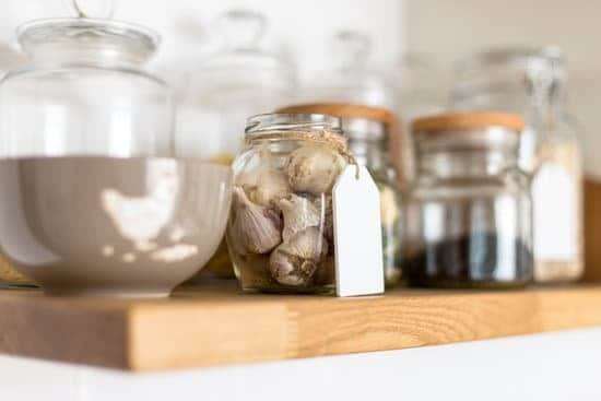 Organized pantry jars to make home look better